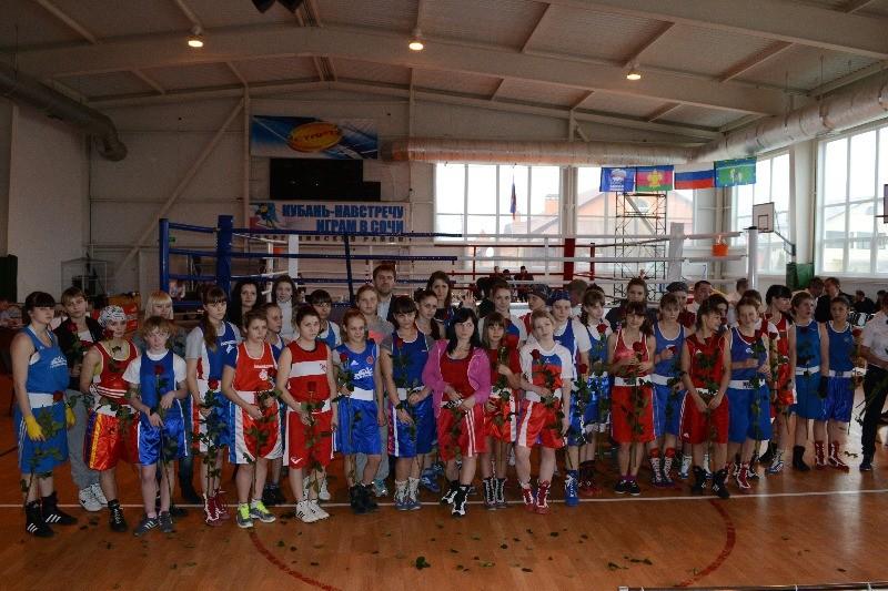 Первенство ЮФО по боксу среди женщин, юниорок и девочек. . Яркий, увлекате